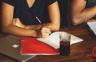 آیا انتخاب خدمات نوشتن پایان نامه قانونی و اخلاقی است؟